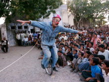 Clowns Without Borders Project in India - 2004